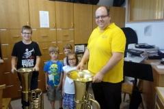 Kinder und Tuba